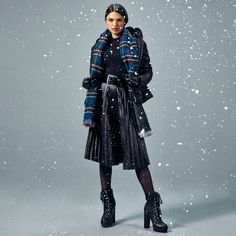 Studio F Colombia Let It Snow, Let It Be, Fashion Moda, Winter Jackets, Studio, Gloves, Jackets, Blouse, Pants