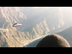 TRIANGLE SHAPED UFO filmed by US soldiers in Afghanistan !!! March 2014 - YouTube