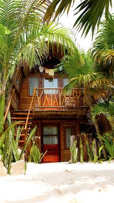 Ahau Tulum offers 24 Beach Cabanas in a privilege setting at Tulum Beach. Luxury, Rustic, Comfort and Delicious kitchen at the beach. One of the trendiest hotels in Tulum. Surf Shack, Beach Shack, Bali Huts, Beautiful Homes, Beautiful Places, Restaurant On The Beach, Restaurant Design, Beach Cabana, Vacation Places