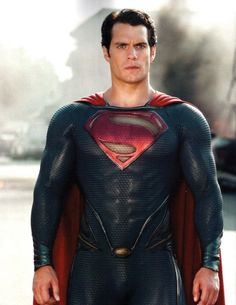 Henry Cavill, how we'll the suit fits!!