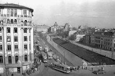 La Podul Izvor, 1956 Warsaw Pact, Bucharest Romania, Old City, Beautiful Buildings, Time Travel, Alter, Paris Skyline, Places To Visit, Louvre