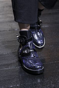 Balenciaga Spring 2011 Ready-to-Wear - Details - Gallery - Style.com