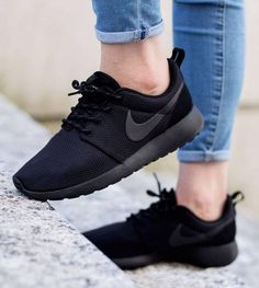 quality design 569ed 12722 NIKE Roshe One Women Casual Sport Shoes Sneakers All Black Roshes, All  Black Nike Shoes