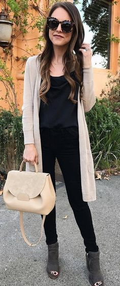 cool outfit idea : cardigan + top + black skinnies + bag + boots