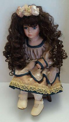 """Vintage Ashley Belle Porcelain Doll 14"""" Seated"""