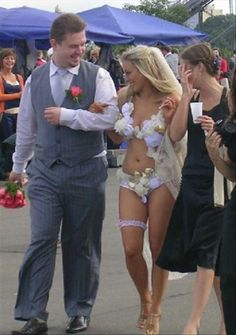 Ugly Wedding Dresses You Won't Believe People Wore