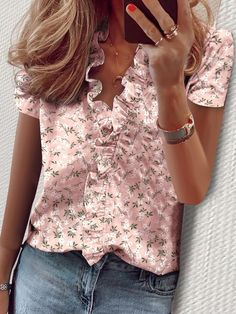 Description: Pattern Type:Print Sleeve Type:Short Sleeve Silhouette:Shift Waistlines:Natural Elasticity:Slightly stretchy Thickness:Lightweight Neckline:V Neck Casual Tops For Women, Blouses For Women, Ladies Casual Tops, Casual Shirts, Ruffle Shirt, Ruffle Sleeve, Moda Fashion, Short Sleeve Blouse, Long Sleeve
