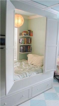 I want a closet bed too!