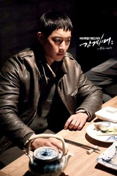 I love this photos KHJ LOOKS BRAVE AND STRONG MANLY