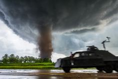 Photographer Captures Extreme Weather Conditions in Stunning Detail