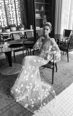 Elihav Sasson Wedding Dress | itakeyou.co.uk #weddingdress #weddinggown #halterneck #bridalgown #weddingdressinspiration #bride #weddinggowns