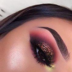 Maquiagem makeup eyeshadow makeup, eye makeup e makeup Purple Eye Makeup, Makeup Eye Looks, Glam Makeup, Skin Makeup, Makeup Inspo, Eyeshadow Makeup, Makeup Inspiration, Makeup Ideas, Eyeshadows
