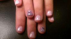 Uñas de mi sobrina. Acrílico rosa y lila.