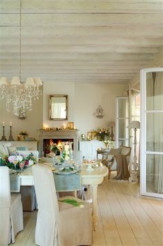 Cottage Chic Dining & Living Room