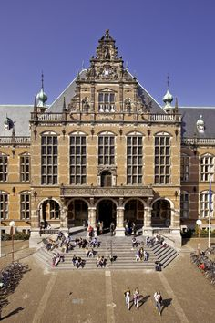 Academy building, University of Groningen // Holanda. Road Trip Europe, Amazing Architecture, Holiday Travel, Belgium, Places To See, Netherlands, Beautiful Places, Around The Worlds, City
