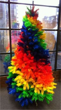 #Rainbow Christmas Tree