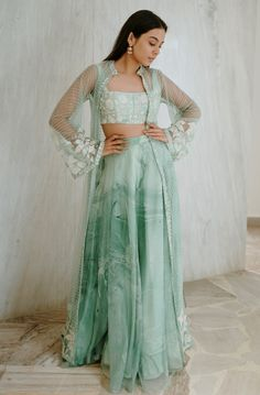 Indian Gowns Dresses, Indian Fashion Dresses, Indian Designer Outfits, Boho Fashion, Indian Wedding Outfits, Bridal Outfits, Indian Outfits, Indian Attire, Indian Clothes