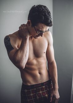 I was not ready!!!!!! Harry Potter boudoir photoshoot | model: Zachary Howell | photgrapher: Sarah Hester Photography