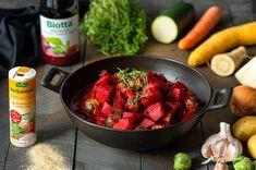Pirteää syyskuuta! Nyt on hyvä aika hyödyntää satokauden kasviksia. Katso reseptit viikon ruokalistalta Kimchi, Strawberry, Pasta, Fruit, Food, Eten, Strawberry Fruit, Strawberries, Noodles