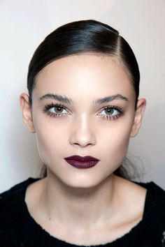Dark lipstick, defined lashes - fall beauty at its best! Try Ilia lipstick in Femme Fatale