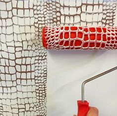 Crocodile Skin Pattern Paint Roller Crocodile Skin Pattern Cement Stamper Roller is part of Patterned paint rollers - Texture Painting, Fabric Painting, Diy Painting, Creative Wall Painting, Painting Tools, Pattern Concrete, Patterned Paint Rollers, Ideias Diy, Brick Patterns