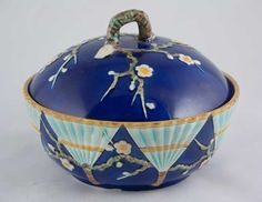 "Wedgwood majolica ""Fan"" butter dish"