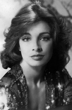 Tonight's Vintage Babe* is Anne Archer ! Anne Archer, Dressed To The Nines, Iconic Women, Celebs, Celebrities, Timeless Beauty, Every Woman, Beautiful Outfits, Hollywood