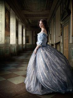 Profoto Pro B4 Alexia Sinclair A Frozen Tale The Portrait Hall 600x798 Alexia Sinclair Traveled to a Frozen Castle, Left Untouched for Hundr...