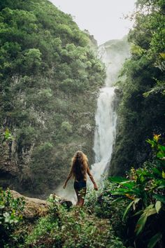 Hawaii Travel Bucket List: Discover secret waterfalls in Hawaii. More Hawaii tra., Hawaii Travel Bucket List: Discover secret waterfalls in Hawaii. More Hawaii tra. Hawaii Travel Bucket List: Discover secret waterfalls in Hawaii. Travel Photography Tumblr, Photography Beach, Hiking Photography, Places To Travel, Places To Go, Destination Voyage, Jolie Photo, Adventure Is Out There, Hawaii Travel