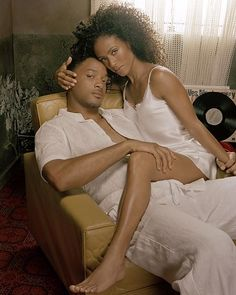 One of my favorite couples: Will & Jada!! Look at the way he's holding her wrist! Sexy!