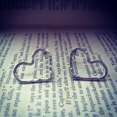 Heart Shaped silver earrings Silver Apples, Toot, I Am Happy, Heart Shapes, Silver Earrings, My Style, Casual, Instagram Posts, Jewelry