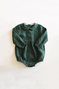 Baby Christmas Outfit, Baby Christmas Romper, Forest Green Linen, Linen Romper - Baby girl high-quality linen romper is the best baby outfit for Christmas. Its comfy but also beaut - Baby Outfits, Outfits Niños, Batman Outfits, Rock Outfits, Couple Outfits, Fashion Outfits, Polyvore Outfits, Toddler Outfits, Baby Girl Fashion