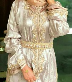 Our online shop propose you a large selection of moroccan kaftan takchita and oriental dresses. If you want to buy it. Morrocan Dress, Moroccan Caftan, Kaftan Style, Caftan Dress, Oriental Dress, Oriental Fashion, Dress Sewing Patterns, Mode Outfits, Traditional Dresses