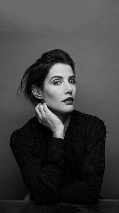 Cobie Smulders - Photoshoot for Observer – - Celebrity Nude Leaked! Cobie Smulders, Maria Hill, Marvel Women, Marvel Girls, Black N White Images, Black And White Portraits, White Pic, Robin Scherbatsky, Wedding Humor
