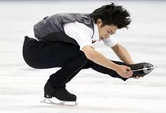 Japan's Takahiko Kozuka performs during the men's short program at the Rostelecom Cup ISU Grand Prix of Figure Skating in Moscow November 14, 2014. REUTERS/Grigory Dukor (2550×1750)