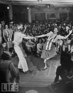 On aimait danser à la folie le rock... / Dorothy McGuire Lindy Hopping at the Stage Door Canteen. / By George Karger.