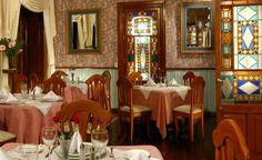 El hotel Quinta las Acacias cuenta con un acogedor restaurante muy agradable en donde su ambiente guarda el sabor del siglo XIX. La Gastronomía de Quinta las Acacias ha sido inspiración de la cocina regional así como de la cocina mexicana de antaño, logrando crear suculentos platillos que no puedes dejar de degustar.