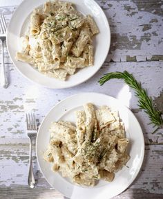Caramelized Onion, Goat Cheese and Rosemary Mac 'n' Cheese with ...
