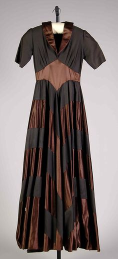 Black and Toffee Gown from Elizabeth Hawes, 1940.