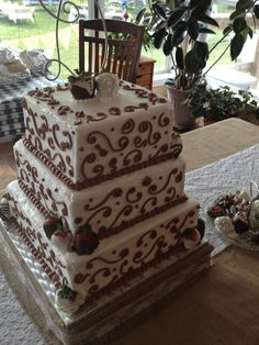 Tennessee Wedding Cake by Classic Cakes & More #wedding #weddingcake #Tennesseeweddings #classiccakes Get More Info @ www.facebook.com/ClassicCakesMore