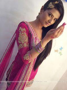 Kratika Sengar Aka Aarti of Punar Vivah Spciy Gallery | Photos Celebrities Movies Indian Television News Videos