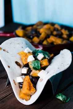 Black Bean & Butternut Squash Tacos are pefect for all of your vegetarian friends. Make this for an afternoon lunch or a light dinner. Food Lab, Breakfast Tacos, Butternut Squash, Black Beans, Vegetarian, Pumpkin, Lunch, Easy Dinners, Eat