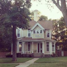 Cutest sorority house at Central Michigan University. Phi Sigma Sigma.