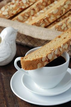 Biscotti & Coffee at the Lencioni's before walking to school with the girls.
