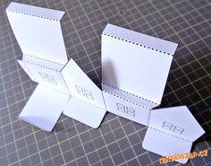 Našla jsem na internetu kouzelné domečkové lucerny z papíru pro LED diody, čajovky by to pochopiteln...