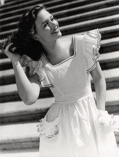 Young Donna Reed As Donna Stone, she was the perfect mother and wife with a dash of humor.