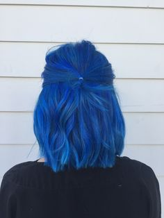 Are you trying to shake off the ❄️ This 'do should you right up! used hydrate shampoo + conditioner to prep her Adding blow dry styling lotion + thermal protect spray to the hair & using her straightener to create these perfect See. Hair Color Blue, Cool Hair Color, Hair Colors, Bright Blue Hair, Dye My Hair, New Hair, Hair Inspo, Hair Inspiration, Decor Inspiration
