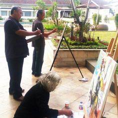 Mengahbiskan senja di Hotel Preanger bersama pa Basket & Bank Zoel#art #drawing #painting #sketch #sketchbook #sketchers #sketchwalker ##instaart #instagood #instapict #l4l
