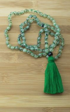 Mala Beads - Knotted Prehnite Japa Mala Beads Necklace With Black Onyx
