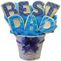 Fathers Day is around the corner. Have you picked out fathers Day gifts? If not, then here are some fathers Day cookies which will be the best gift for dad. Fathers Day Cupcakes, Fathers Day Cake, Royal Icing Cookies, Cupcake Cookies, Sugar Cookies, Fancy Cookies, Cake Decorating Supplies, Cookie Decorating, Cupcakes Decorating